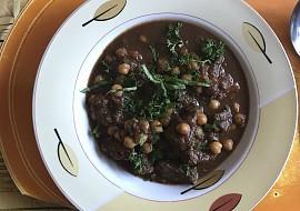Hovězí maso na zelenině s cizrnou recept