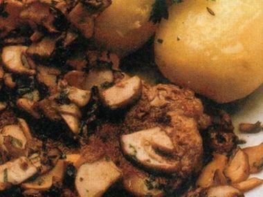 Biftečky s hřibem borovým