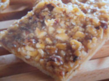 Ořechové čtverečky s karamelem