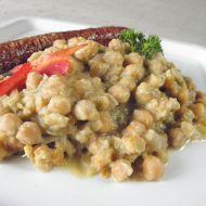 Česneková cizrna s bramborem recept