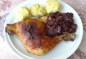 Pečené kuře na zelí s medem