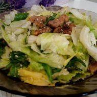 Salát s rukolou a vepřovými nudličkami recept