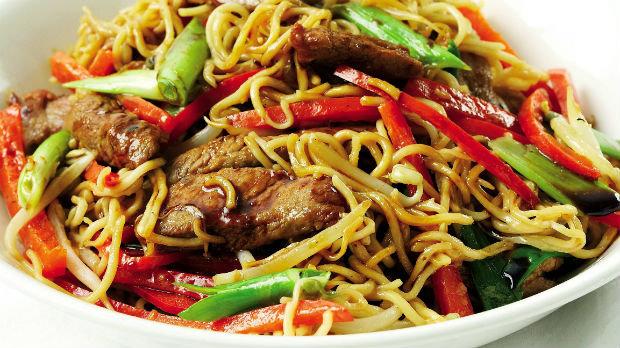 Vepřové chow mein