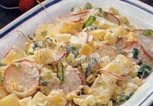 Bramborový salát s vejci a ředkvičkami