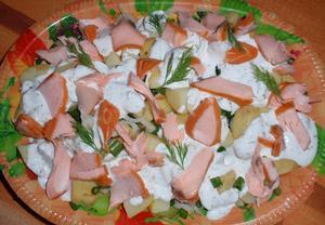 Mísa s lososem a koprovou majonézou