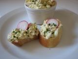 Pomazánka s vejci, ředkvičkami a řeřichou recept