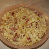 Těstoviny s uzeným masem a zelím recept