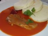 Rajská omáčka s mrkví, podávána s vařeným hovězím jazykem ...