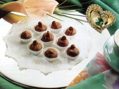 Valentýnské pralinky marcipánové s mandlí