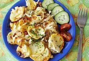 Pečené brambory s cibulí