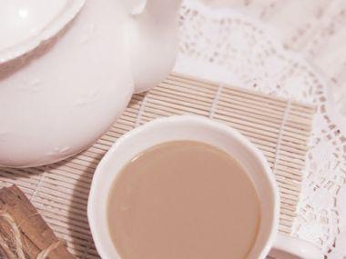 Speciální čaj se skořicí a mlékem