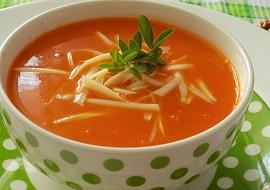 Rajčatová polévka s kokosovým mlékem recept