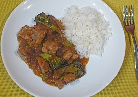 Kuřecí nugetky s brokolicí recept