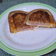 Chlebák s vejcem a šunkou recept
