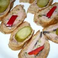Plněné chlebové bochánky recept