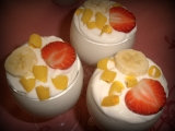 Jogurtové poháry s ovocem recept