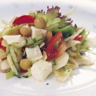 Cizrnový salát se zeleninou recept