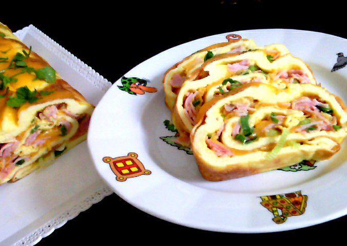 Vaječná roláda se šunkou a sýrem recept