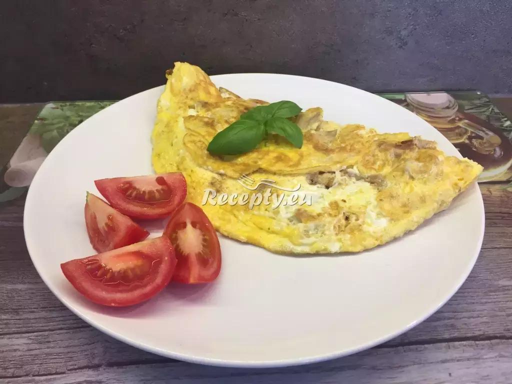 Omeleta plněná kuřecím masem recept  jídla z vajec