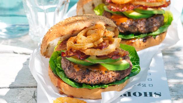 Kovbojské hamburgery se slaninou