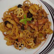 Těstoviny s kuřecím masem a žampiony recept