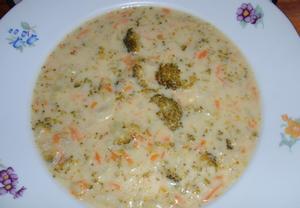 Brokolicovo-mrkvová polévka se sýrem