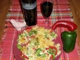 Omeleta z instantních nudlí se zeleninou recept