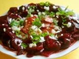 Salát z červené řepy s klobásou recept