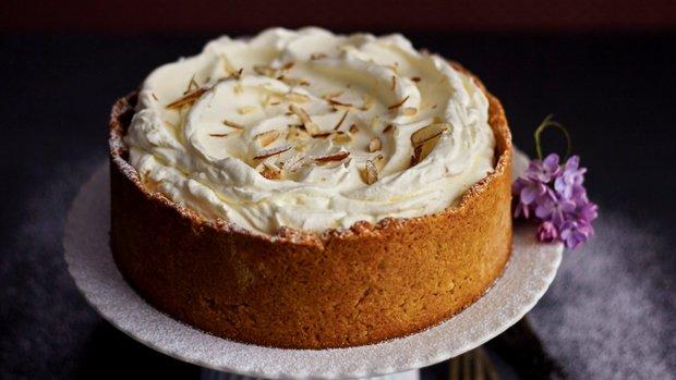 Výtečný mandlový dort