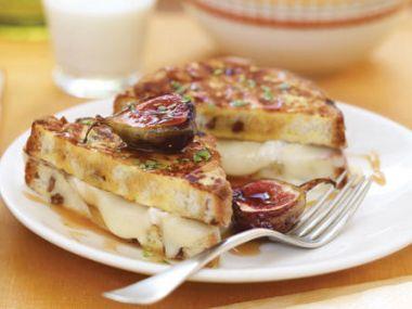 Grilované toasty s masem a křenem