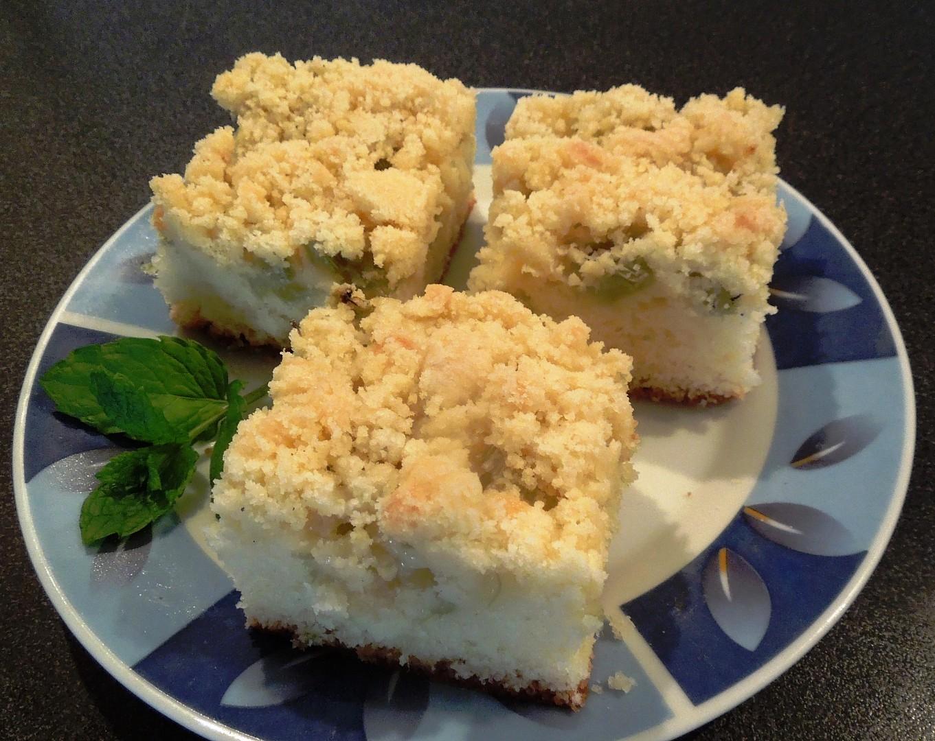 Reveňový koláč se skořicovou drobenkou recept