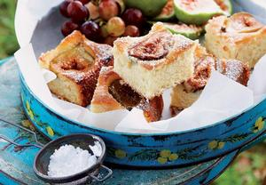 Ovocný kokosový koláč