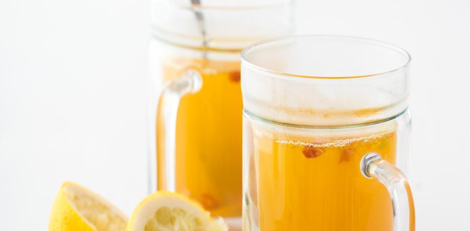 Horký nápoj s kurkumou