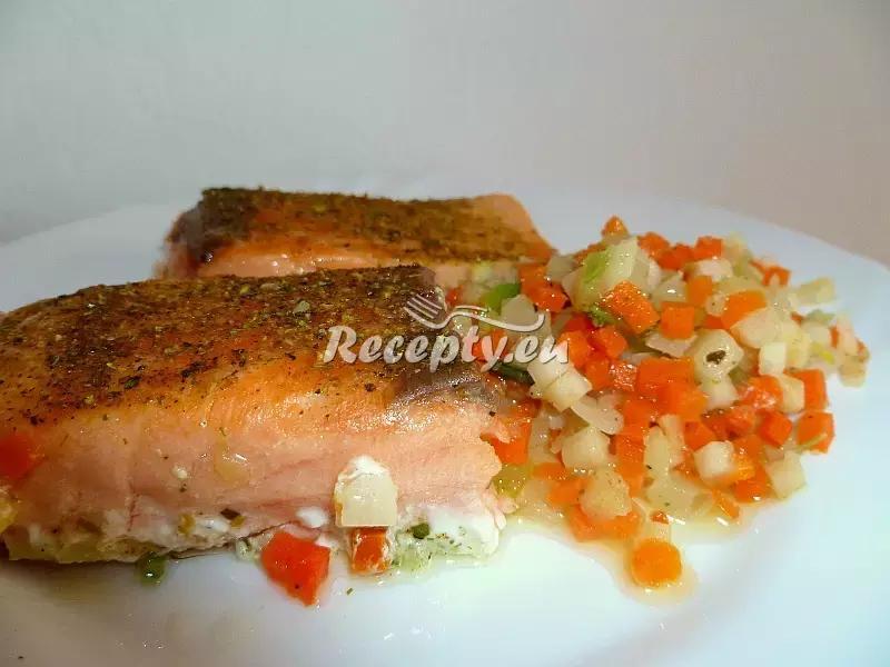 Losos s česnekem a slaninou recept  ryby