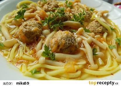 Polévka s masovými knedlíčky a houbami recept