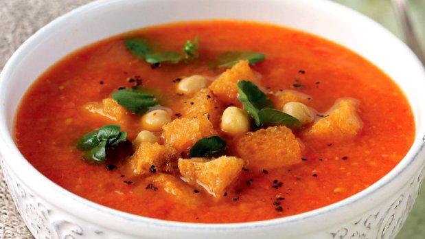 Rajčatovo-papriková polévka s limetkou