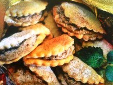 Cukroví s ořechovou nádivkou