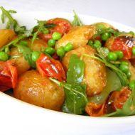 Pečené nové brambory s rajčaty recept