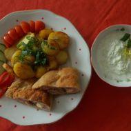 Plněný kuřecí řízek s opékanými brambory recept
