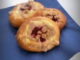 Malinové koláčky se skořicovou drobenkou recept