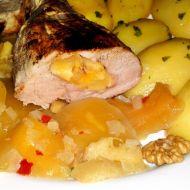 Vepřová panenka plněná mangem a ořechy s mangovým chutnay ...