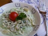 Okurkový salát s nivou recept