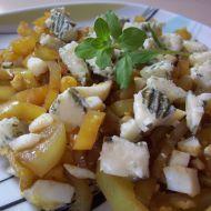 Teplý paprikový salát s nivou recept