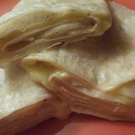 Tortillový závitek se sýrem recept