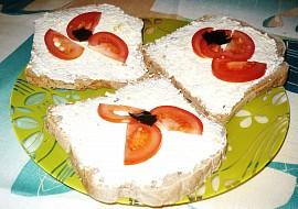 Česnekovo-sýrová pomazánka: rychlá, jednoduchá recept ...