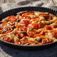 Focaccia s cherry rajčátky a olivami recept