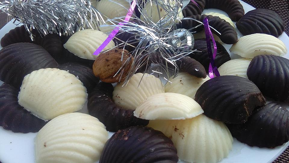 Domácí tmavá a světlá vánoční čokoláda recept