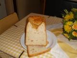 Chleba s nivou a klobásou recept