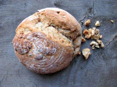 Škvarkový domácí chléb