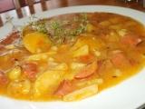 Gulášek z cukety, patizonu, rajčat, brambor a uzeniny recept ...